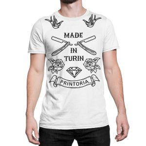 vestita-maglietta-bianca-made-in-turin-old-school-tattoo-white-t-shirt-stampa-grafica-nera-graphic-print-black