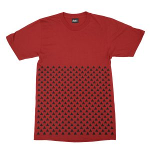 maglietta-rossa-pattern-triangle-red-t-shirt-stampa-grafica-nera-graphic-print-black
