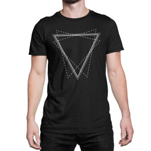 vestita-maglietta-nera-triangle-black-t-shirt-stampa-grafica-bianca-graphic-print-white